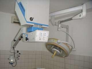 Microscope opératoire plafonnier